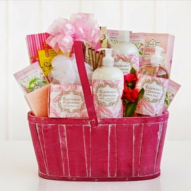 La Bella Baskets Valentine Rosewater and Jasmine Spa