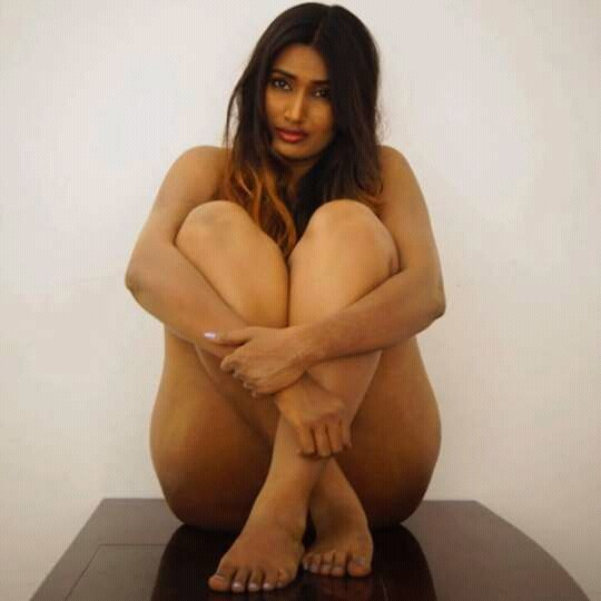 SWATHI NAIDU LATEST CROSS LEGS FACEBOOK DEC 2015