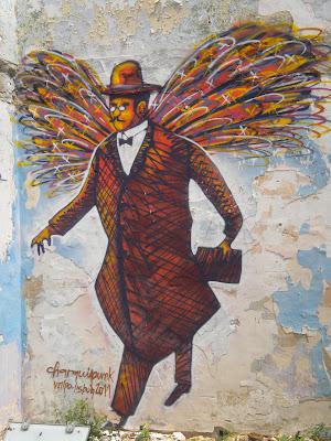Fernando Pessoa com asas