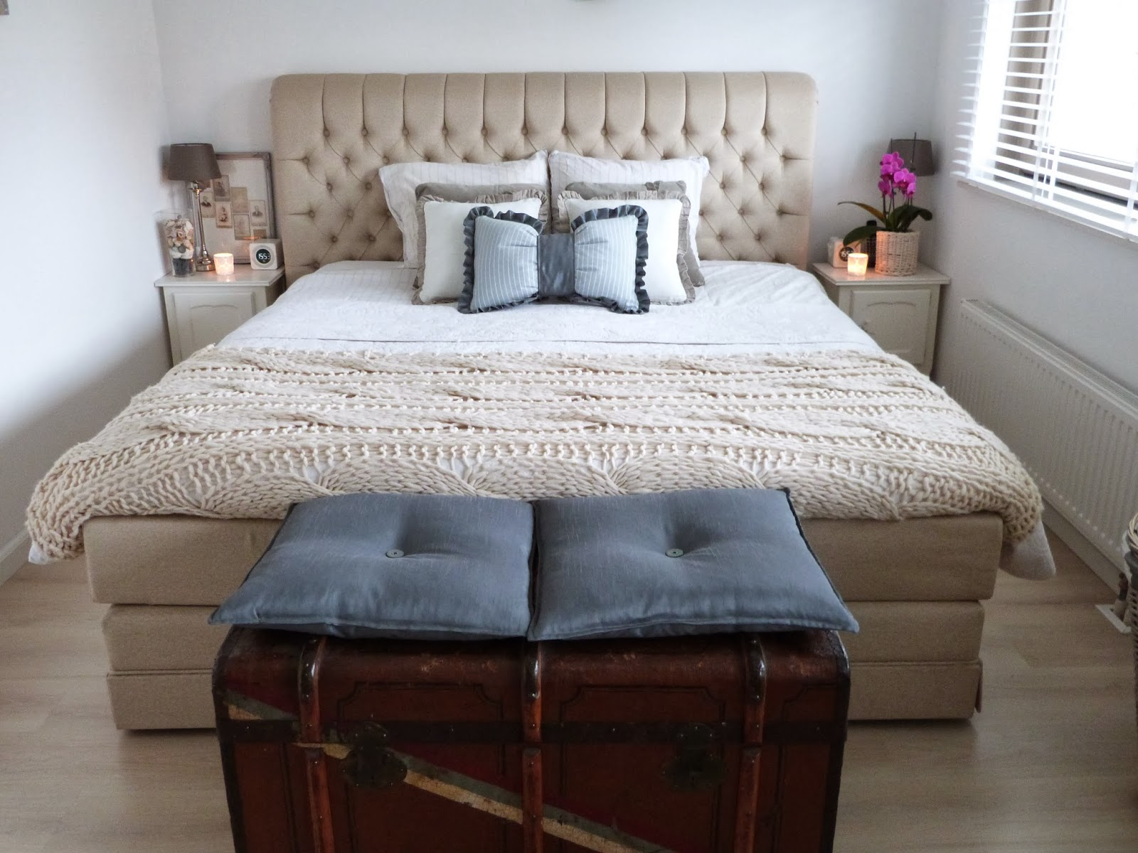 Het brocante schelpenhuisje knusse slaapkamer met for Slaapkamer bed