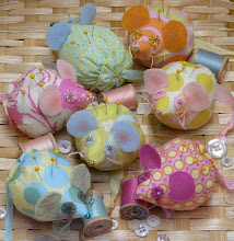 Mouse pin cushion pattern