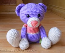 http://gosyo.co.jp/english/pattern/eHTML/ePDF/1004/amicomo3-34_Amigurumi_Bear.pdf