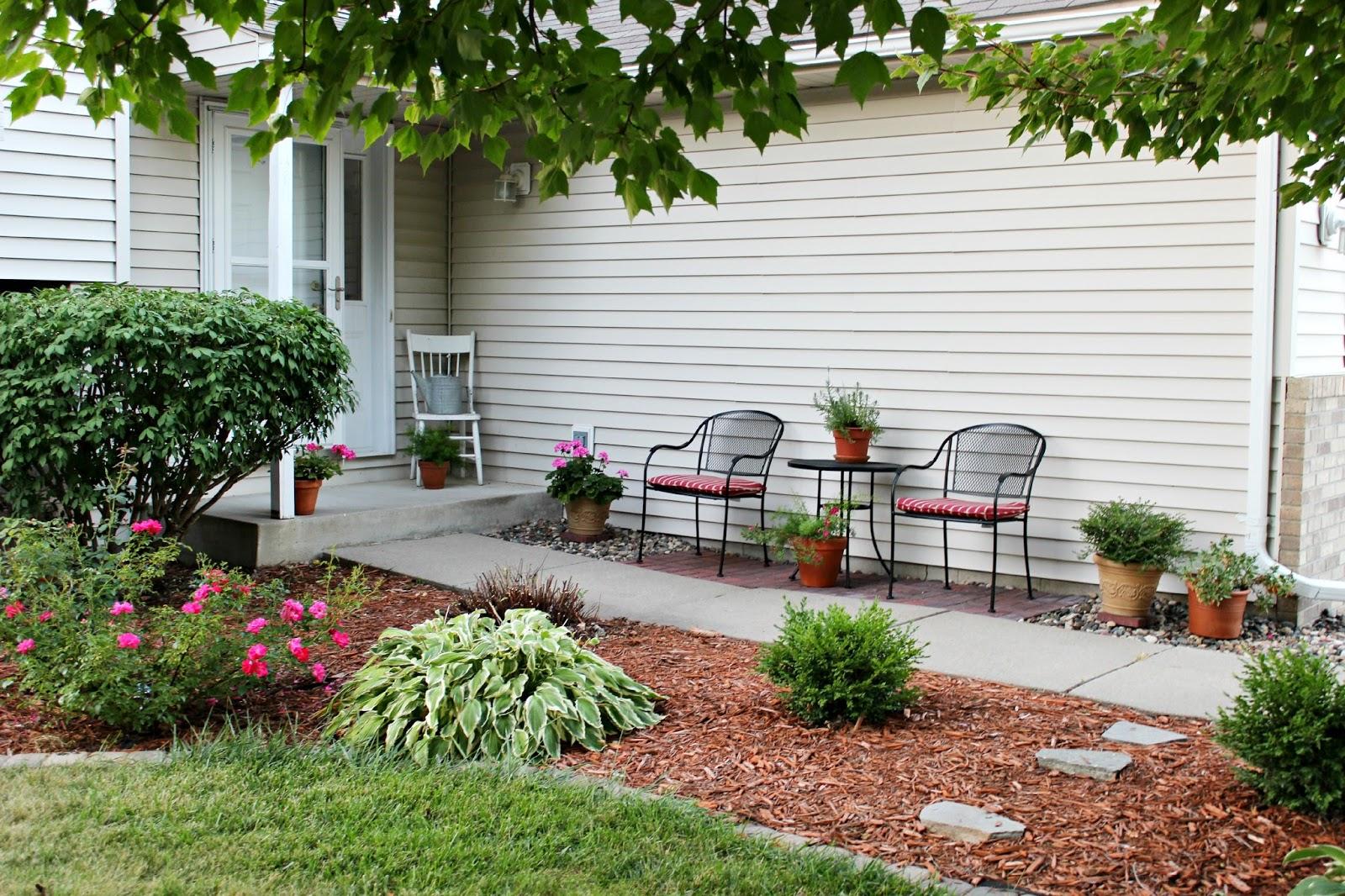 Happy At Home: Entrance Patio
