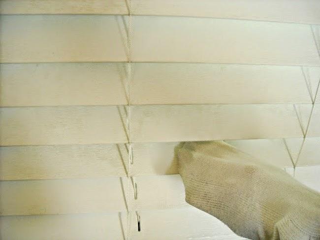 Truco para limpiar las persianas