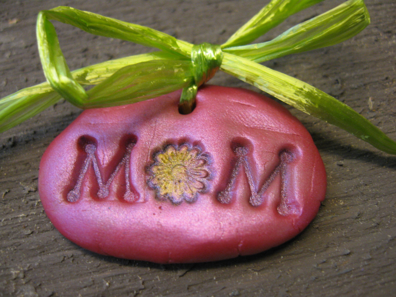 Craft klatch mom charm mother 39 s day gift idea craft for Toddler craft gift ideas
