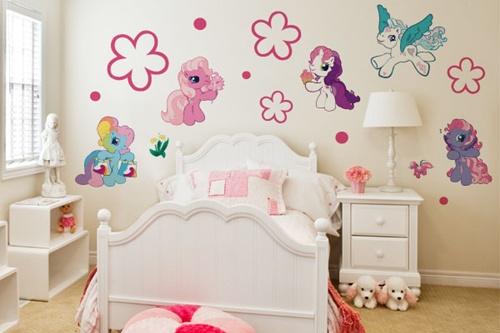 Dormitorios infantiles decorados con mi peque o pony for Pegatinas habitacion nina