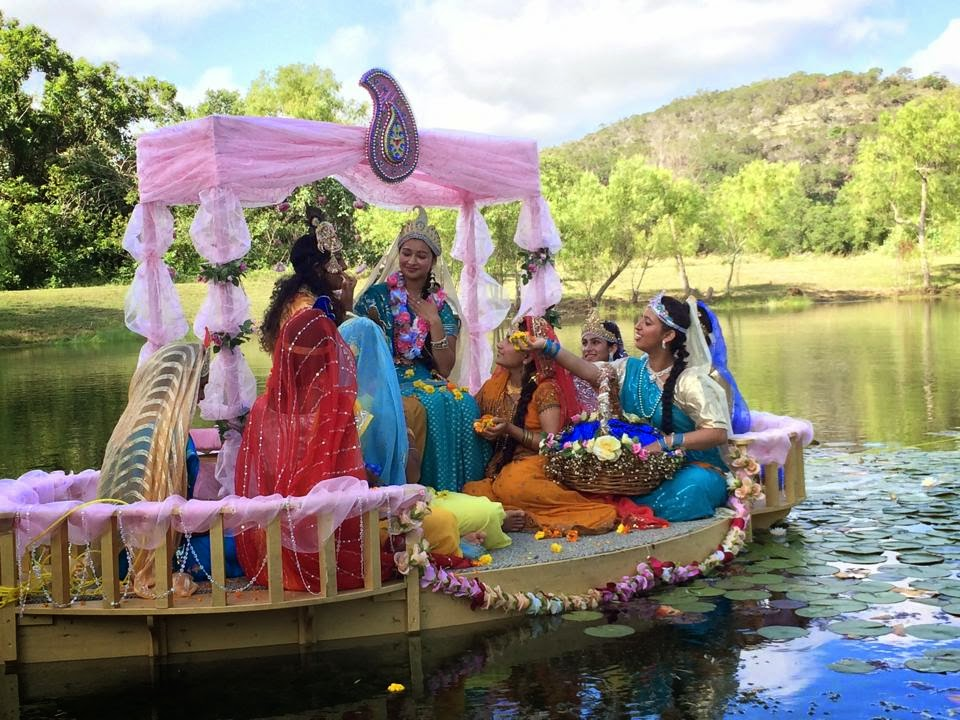Radha Krishna leela in a boat used by Jagadguru Shree Kripalu Ji Maharaj