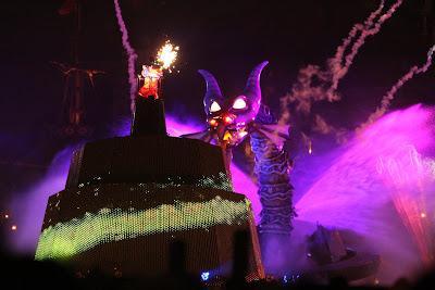 東京ディズニーシー「ファンタズミック!ミッキーマウスvsマレフィセントドラゴン」撮影方法(機材と設定)