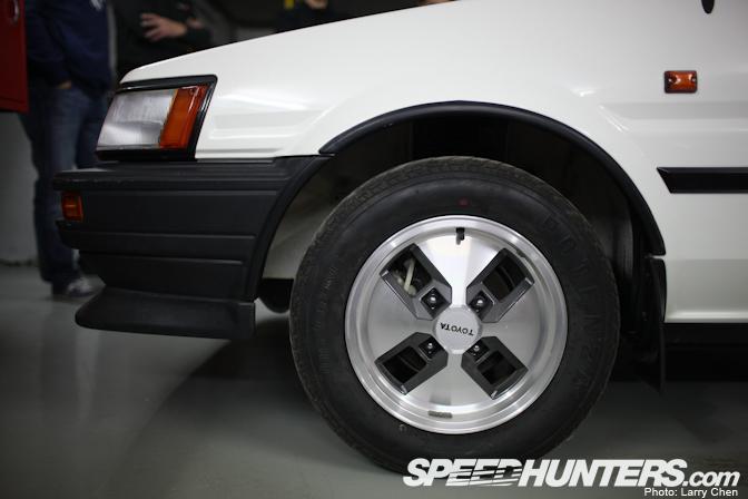 toyota8 Toyota AE86 Berusia 25 Tahun Yang Masih Di Dalam Plastik