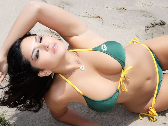 sunny Leone hot and sexy pic, hot boobs of sunny Leone