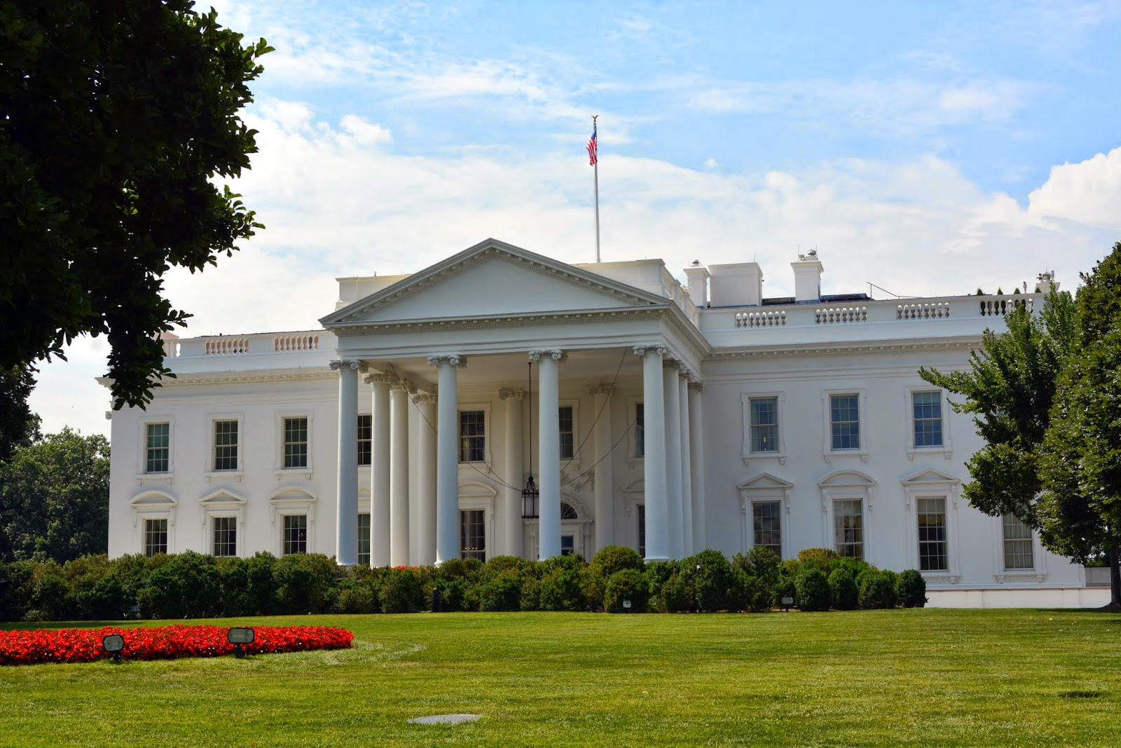 What year was the first white house built house plan 2017 for Who invented houses
