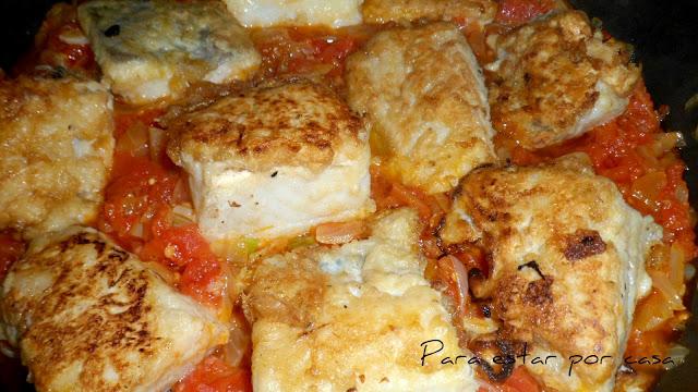 cazuelitas de bacalao con tomate