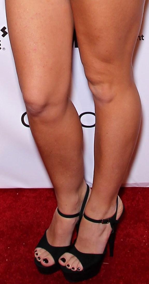 CelebrityGala: Kendra Wilkinson Legs and Feet - I can't cut my son's ...