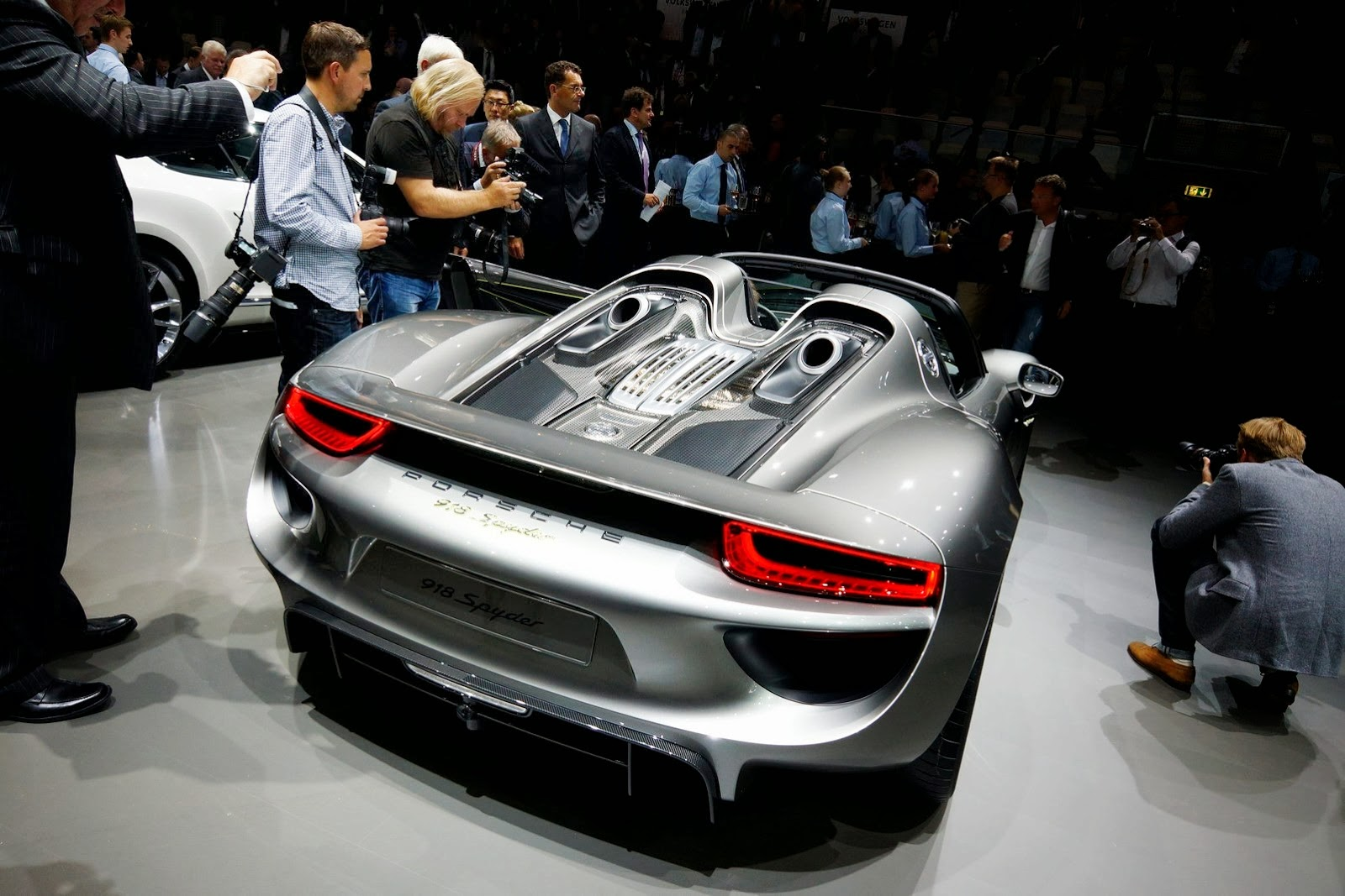 2015 porsche 918 spyder interior wallpaper 11 2019 porsche 918 spyder interior wallpapers