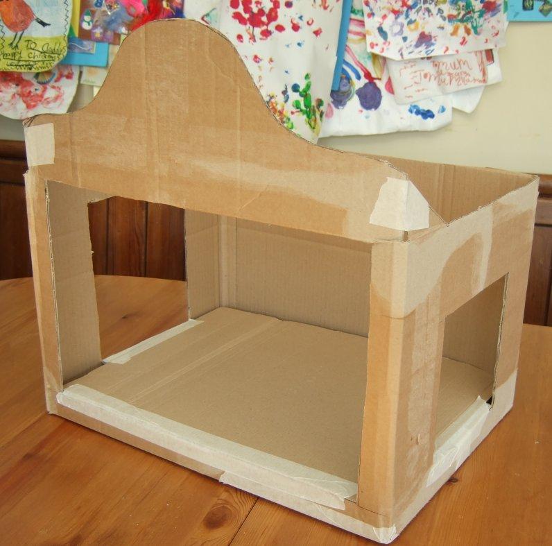 Emy's Crafty Blog: A cardboard box theatre