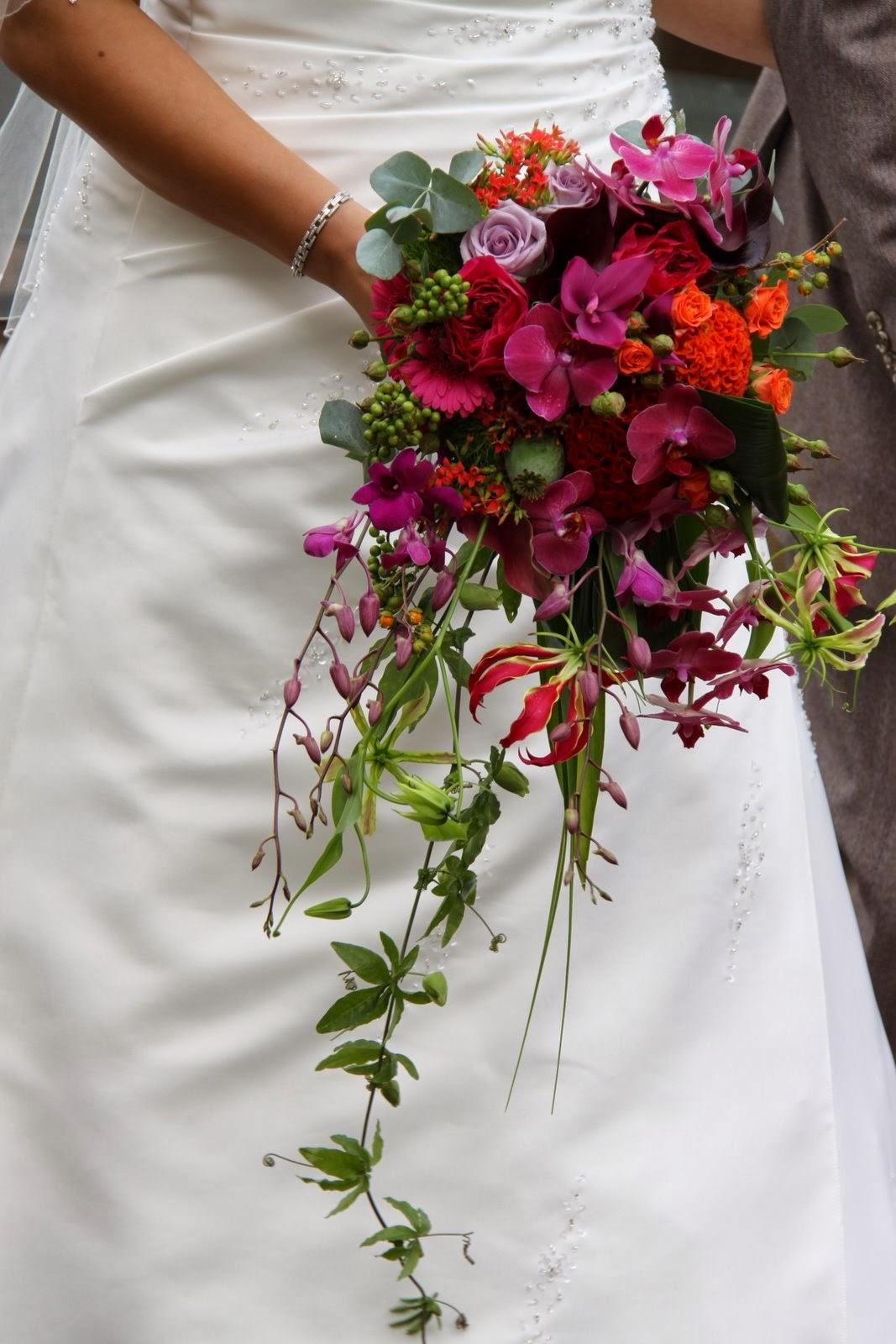 Wedding Cascade Bouquet Ideas : Memorable wedding types of bouquets
