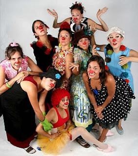 mujeres con nariz de payaso