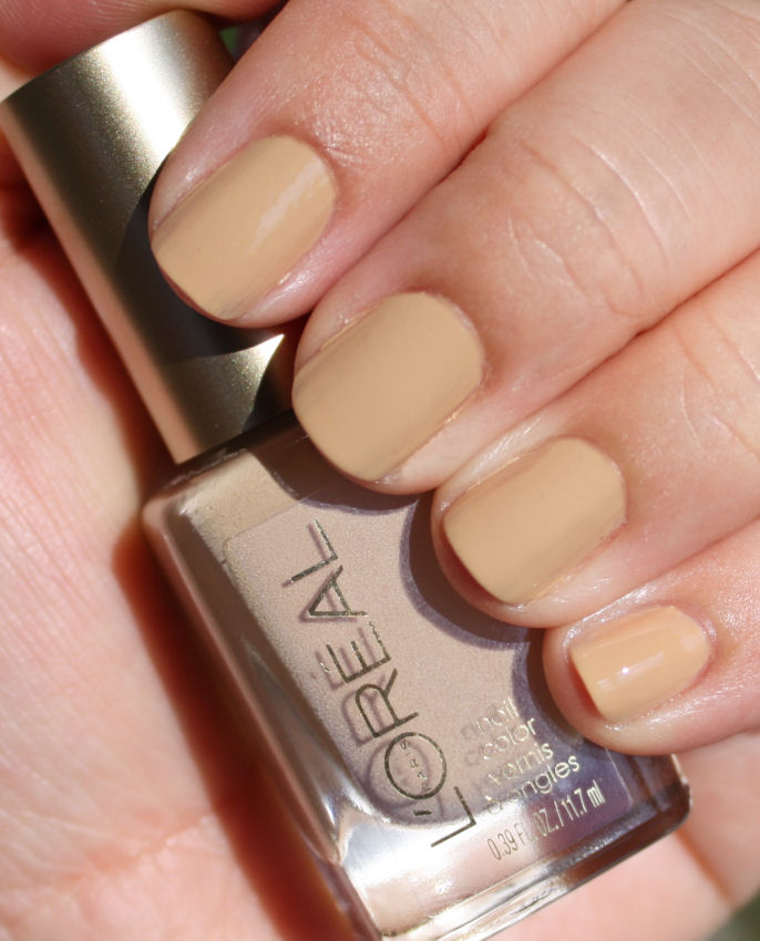 Pondering Beauty: L\'Oreal Colour Riche Nail Color in 202 Broadway Boogie