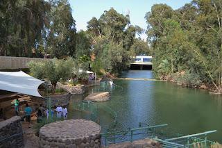 terra santa locais no Jordão de renovação do batismo