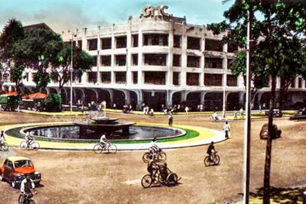 Thương xá Tax sau khi nâng thêm tầng (năm 1942)