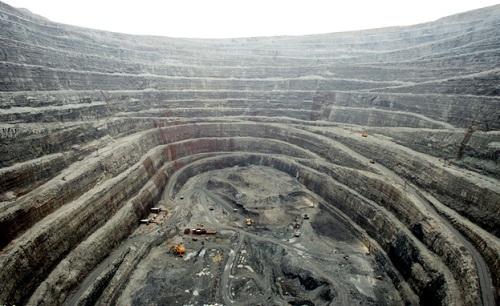 Mirny yakut ve elmas madeni