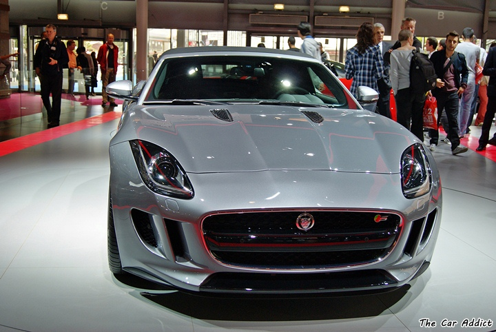 grey Jaguar F-Type Details at the Paris Motor Show
