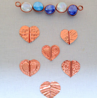 Free tutorials to make a garden wind chime and sun catchers using beads, glass gems and embossed foil hearts