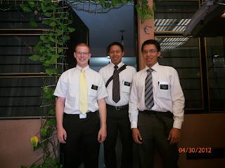 http://2.bp.blogspot.com/-qX8l163x63E/T57vsp2ZKkI/AAAAAAAAAgg/tbCkCmn45D0/s1600/Elders+Hill+Ton+%26+Ortiz+before+transfers+4+30+2012.jpg