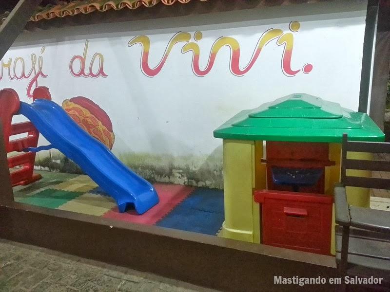 Mar Adentro Restaurante: Parque infantil