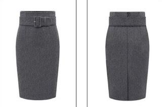 Falda corta de lana tipo tubo con cinturón ancho