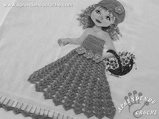 Risco para pintura em tecidos, boneca com vestido de crochê