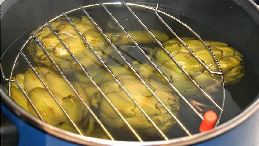 Cocina muy sencilla cocer alcachofas sin pelar - Como cocinar al vapor en microondas ...