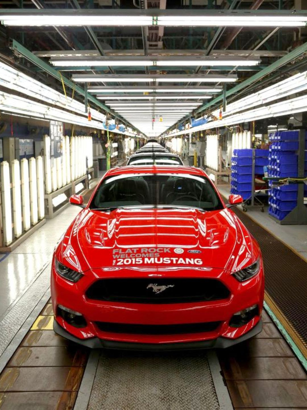 2015 Ford Mustang Arrives at Dealerships Next Month