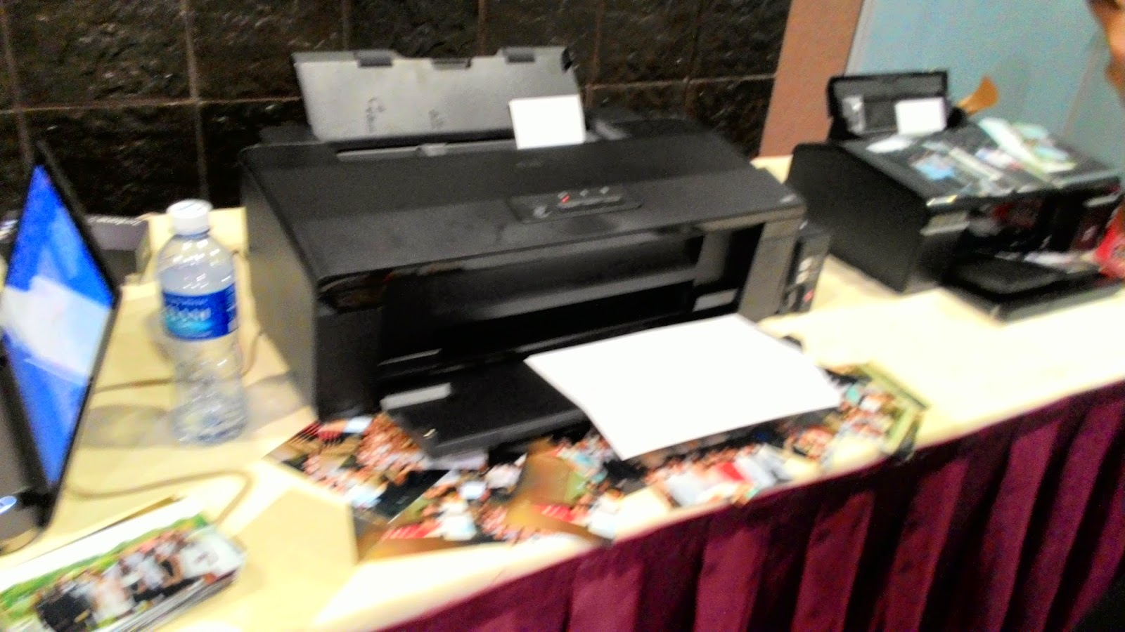 Materializing Memories Epson L1800 And L800 In Action The Tech Printer Were So Popular That They Attracted A Huge Crowd During Event Wanting Their Photos Printed On Spot