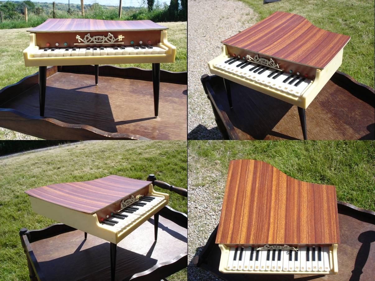 dressing grenier piano queue 70 39 s. Black Bedroom Furniture Sets. Home Design Ideas