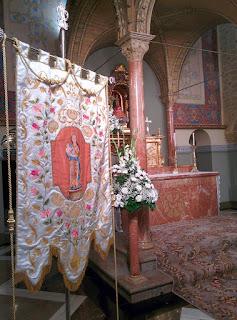 Guión de la Cofradía de Nuestra Señora de Cogullada