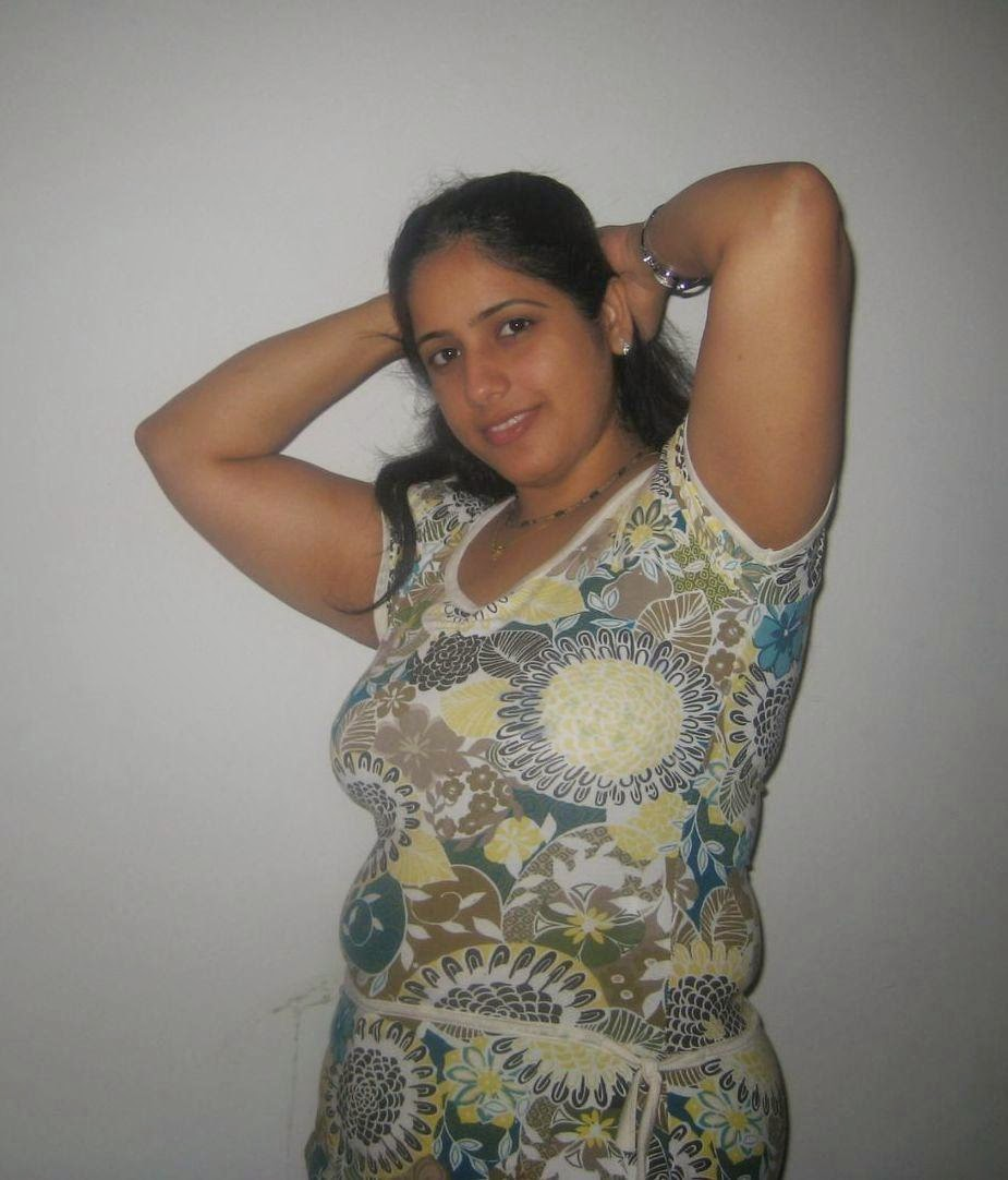 Desi Beautiful Indian Hot Moti Aunties Photos