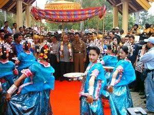Tari Paduppa Bosara Tarian Daerah Bone Sulawesi Selatan