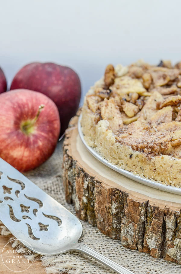 This Apple Danish Cheesecakes makes a delicious rustic dessert for fall.  |  www.andersonandgrant.com