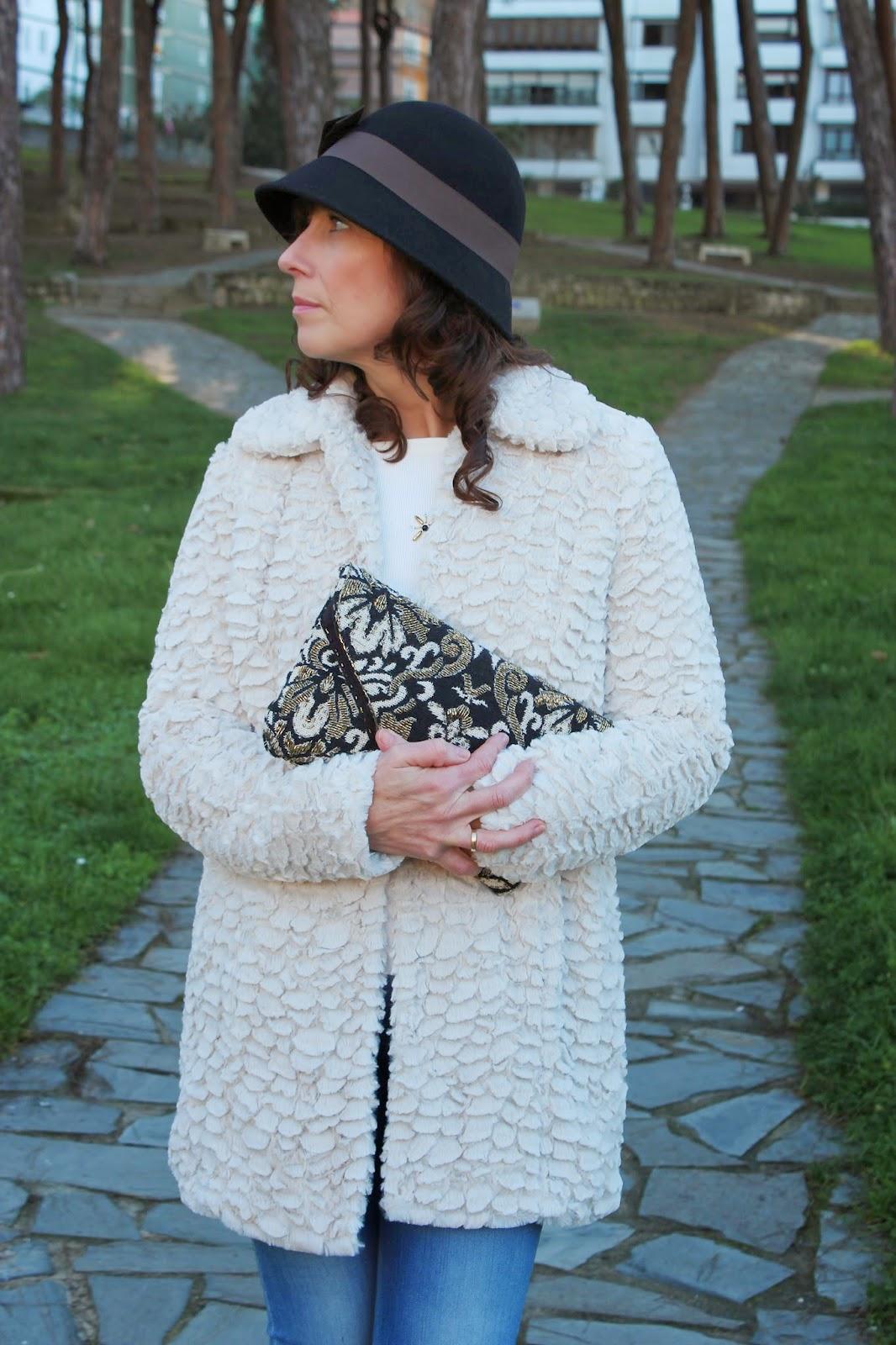 Br jula de estilo mis looks abrigo peluche y jeans - Brujula de estilo ...