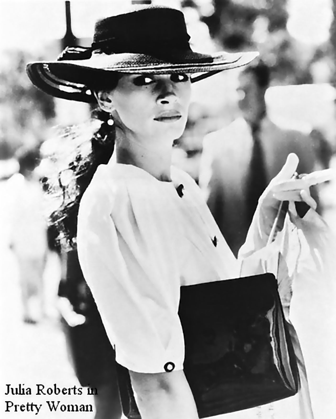 http://2.bp.blogspot.com/-qYfOForkhu0/URzYDOmVEoI/AAAAAAAAFtk/jNqC5Fzoeag/s1600/Julia+Roberts+in+Pretty+Woman+con+un+cappellio+Memar.jpg