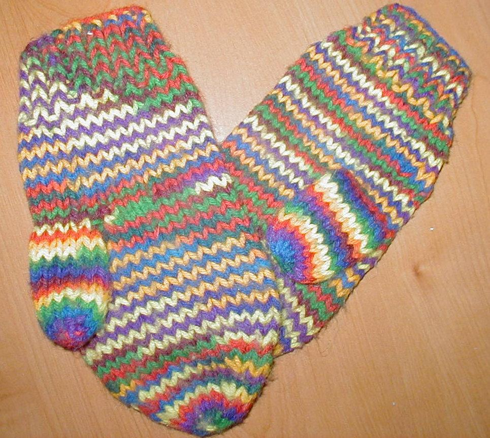 Double Knit Mitten Pattern : 2knitwits: Double Knit mittens on One Needle, mostly