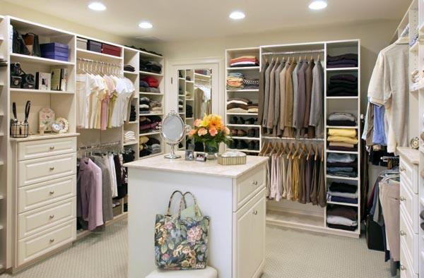 33 Ejemplos de closet o vestier impresionantemente grandes y lujosos