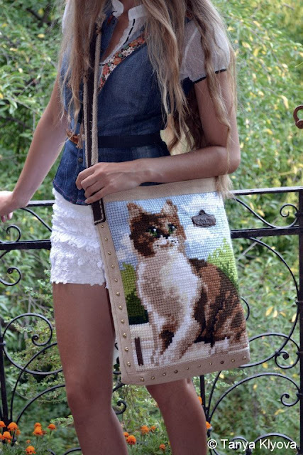 Cross Stitched Embroidered Kitty on Handbag, made by Tanya Klyova, Ukraine