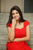 Priyadarshini Glam Pics in Red at Dillunnodu audio-thumbnail-20