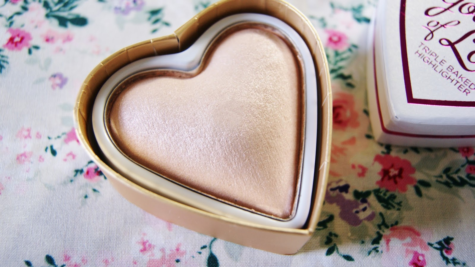 I Heart Makeup Goddess of Love Highlighter Close-Up