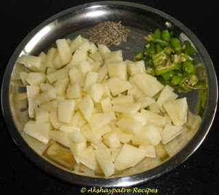 cut the boiled potatoes