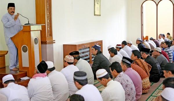 Contoh Khutbah Sholat Jum'at Singkat padat dan berisi