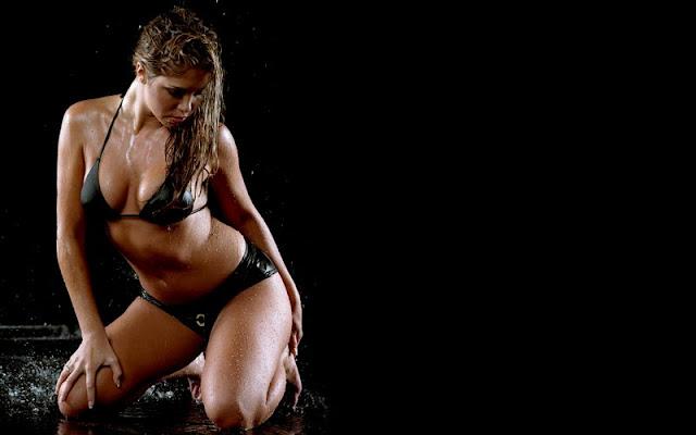 Samantha Cole sexy in bikini