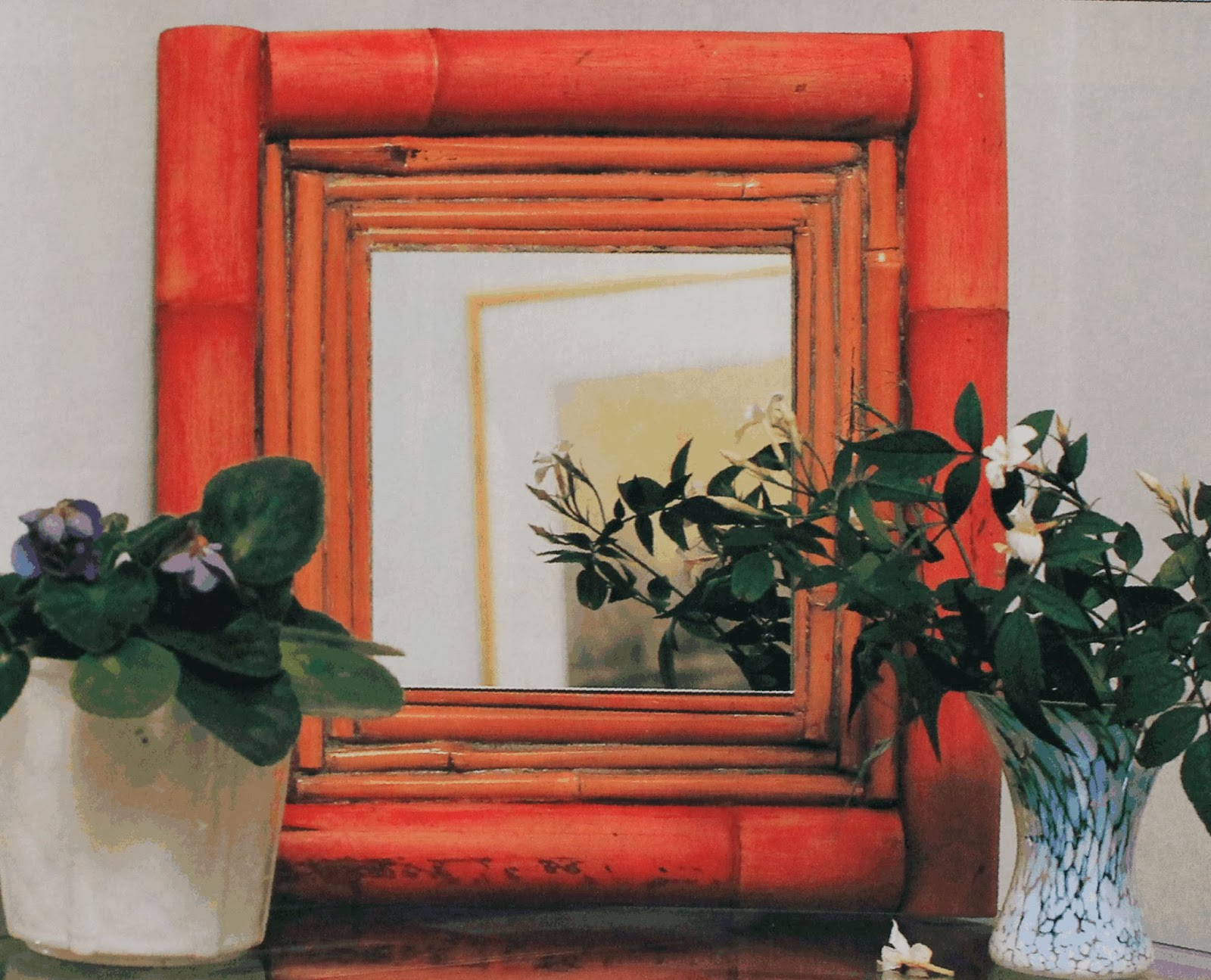 Espejo con marco de bambu paso a paso for Decoracion de espejos paso a paso